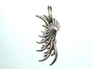 Wing pendant by unellenu